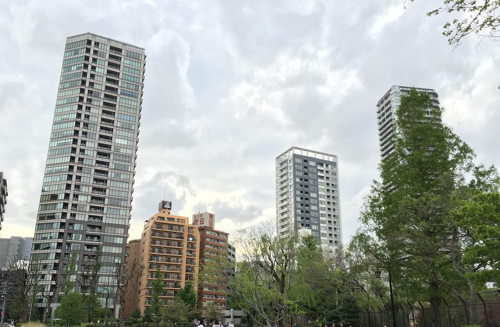 タワーマンションと板状マンションで価値騰落率が変わってくる?