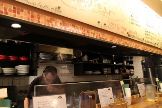 tsukiji_nora02
